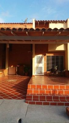 Town House en venta en San Diego. Conj. Res. Amazonia