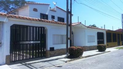 Bellisima y Espaciosa Casa Chalets Country San Diego