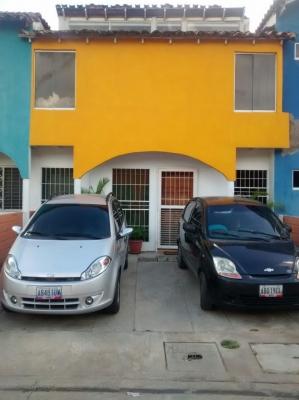 Town House en venta. Conjunto Residencial Valle Arriba. Las Caracaras