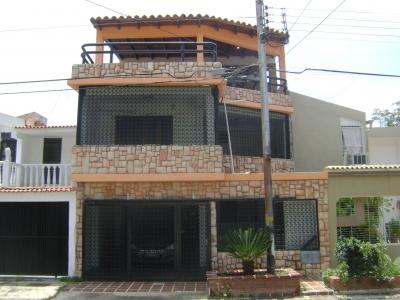 Bella, Amplia y Cómoda Casa en Venta en La Esmeralda, San Diego