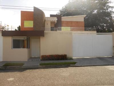 Bella casa en venta en conjunto cerrado, Urb. Chalet's Country, San Diego