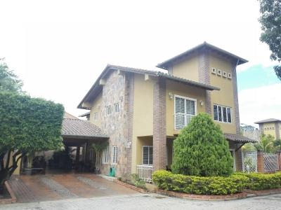 Lujoso Townhouse en el exclusivo conjunto Villas de San Diego Country Club