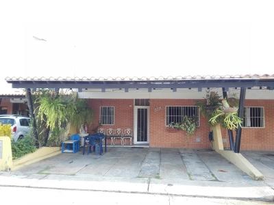 Linda casa con todas las bondades de un Excelente Conjunto, Aguasay, San Diego.
