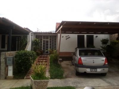 En Hermoso Conjunto Residencial Vendo Linda Casa