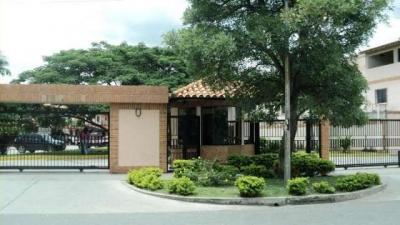 Town-house de 107M2, En Residencia Aves del Paraiso, San Diego