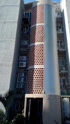 Oportunidad de inversión; moderno y cómodo apartamento, ubicado en el municipio San Diego, en el conjunto Terrazas de San Diego (detrás de CC. San Diego/ Fin de Siglo).