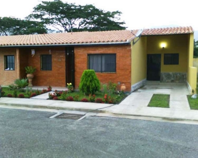 Amplia y bella casa en San Diego, Sabana del medio