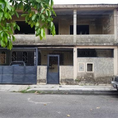 Casa de 144M2 en Cond. Monteserino, Urb. Monteserino