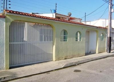 Venta de casa en Turmero Valle Lindo cod: 18-3691