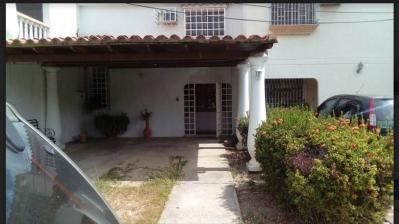 Bella casa en venta en San Pablo Turmero