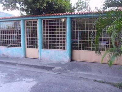 Venta de casa en Turmero urb. Villas del Carmen cod: 184364