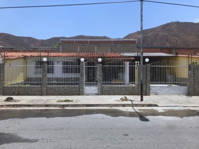 Amplia y Hermosa Casa en Urb. Valle Fresco – Turmero
