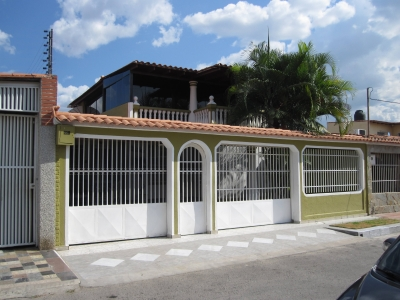 Venta Oportunidad Casa 180mts2 En Urb. Privado Turmero.