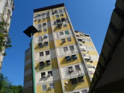 Venta de Oportunidad Apartamento de 87Mts2 en Urb. en Turmero.