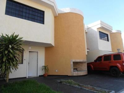 Townhouse en venta en Turmero, Las Carolinas II Cod. 19-2495