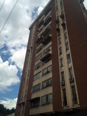 Hermoso Apartamento en Residencias G&M - La Victoria, Edo. Aragua.