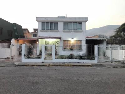 Quinta Amoblada en Urb. Nueva Victoria – La Victoria