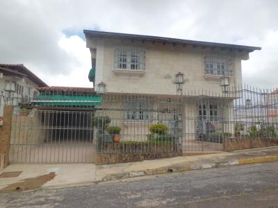 Casa Los Naranjos. 300 m2 terreno