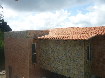 Bonita Casa a estrenar, Urb. Los Robles, El Hatillo