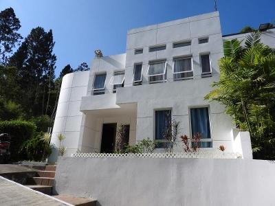 Bella y Remodelada  Casa- Dos Niveles -Oripoto / EG