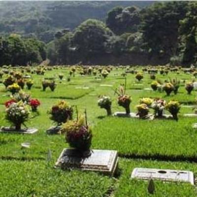 Parcela en Cementerio del Este sección 210B