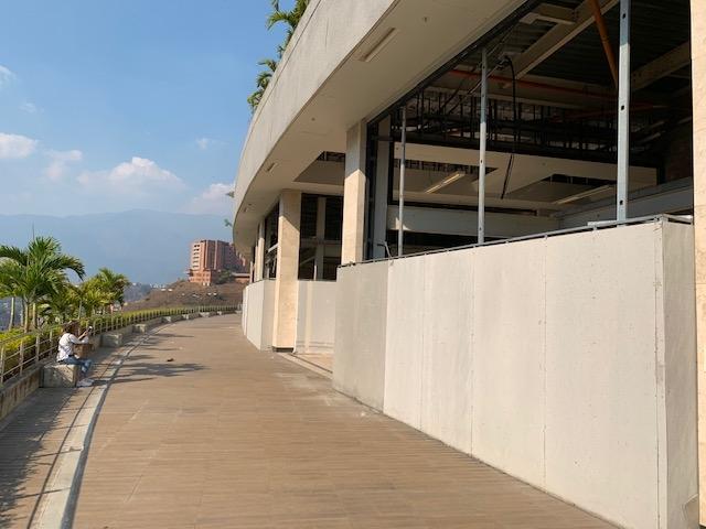 OPORTUNIDAD 110 M2 + Terraza para restaurante con terraza