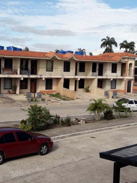 Flor Amarillo - Apartamentos