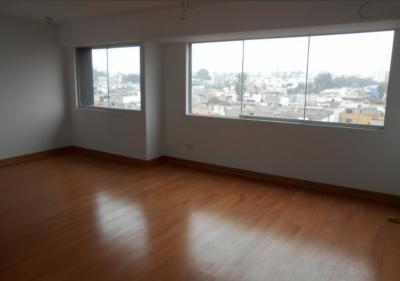 Remato por viaje, Dpto. 3er piso 125m2 San Isidro
