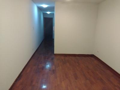 Alquilo departamento en Aramburú