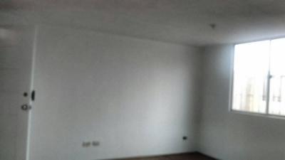 Vendo Cómodo Departamento En Chorrillos 3 Dormitorios $.64,000