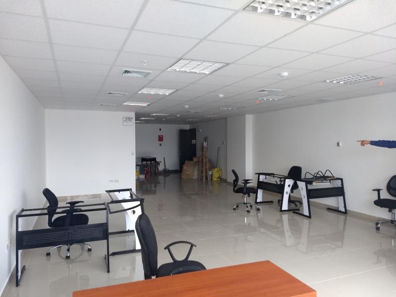 OFICINA DE ESTRENO DE 97 m2, PISO 10, VÉRTICE 22
