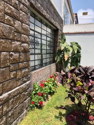 Venta Casa Francisco del Castillo Urb. San Antonio Miraflores
