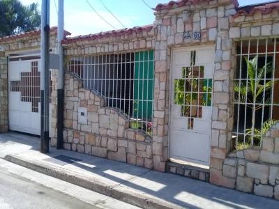 Casa en Urb Araguaney I