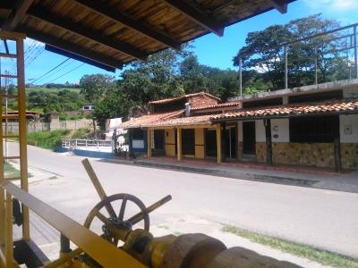 Local en Alquiler en Peribeca, Entrada Principal al Pueblo Turístico.