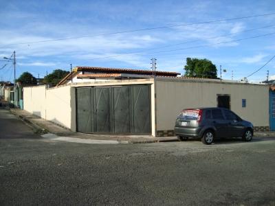 Bella Casa en Rubio Sector Santa Bárbara