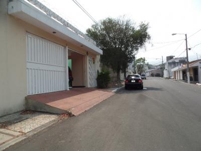 Pinares San Cristobal, Garita de Seguridad, 2 Niveles, 5 Dorm/Quartos, 4 Banhos