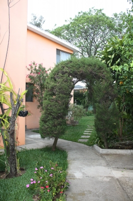 URGE VENDER Casa 560m2 en sector B3 Ciudad San Cristobal Mixco