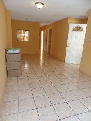 2 niveles, 5 Dormitorios, 4 Baños, Garita de Seguridad, Areas de Recreacion,