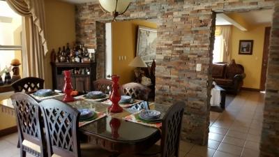 Casa solana ampliada, 5 habitaciones, 3 baños, area servicio