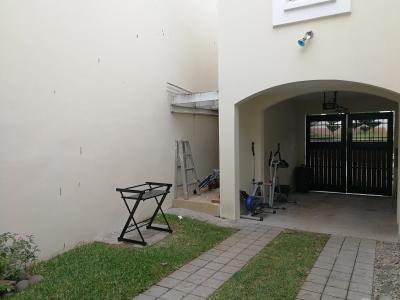 Venta de casa en exclusivo condominio en Condado Naranjo