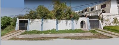 Vendo casa en Ciudad San Cristóbal; propiedad magnífica, grande, con vista panorámica de la ciudad, fuera de garita, y fácil de llegar.
