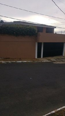 Hermosa casa en residencial en San Cristobal