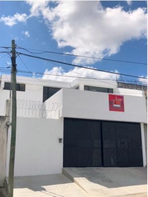 Casa en venta ubicada en San Cristobal sector B-4