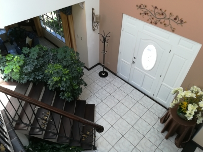 Preciosa casa en venta en el sector más exclusivo de Ciudad San Cristobal