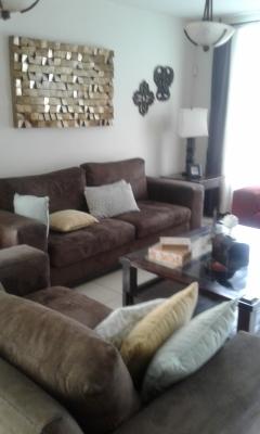 Casa solana, 4 habitaciones, 2 parqueos, sala familiar, estudio, amplia.