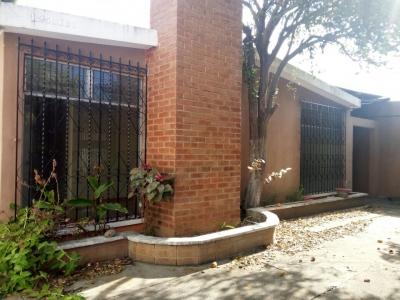 Casa de 1 nivel en Sector B-1, Ciudad San Cristóbal