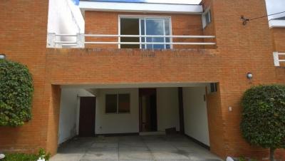 Rento linda casa ubicada en zona 7 de Mixco