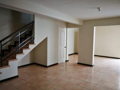 Preciosa Casa en Venta en Condado Naranjo