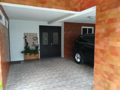 Casa en Venta en El Encinal, tronco II, dentro de garita    44464493 (US$225,000)
