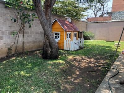 En Alquiler casa de 1 nivel en Excelente sector de Ciudad San Cristobal